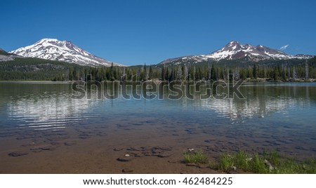 South Sister and Broken Top mountains with Sparks Lake in the central Oregon Cascade Range