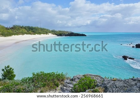 SOUTHAMPTON, BERMUDA -14 FEBRUARY 2015: Horseshoe Bay, the most famous beach in Bermuda with turquoise water and pink sand, has been ranked the #8 beach in the world by TripAdvisor.