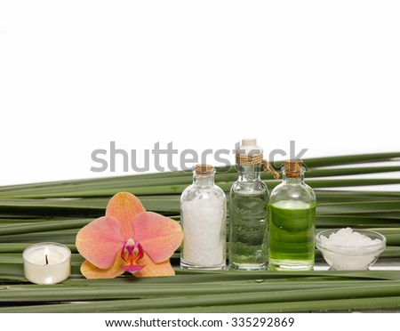 Spa setting and set of green leaf