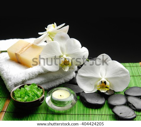 SPA setting on green mat