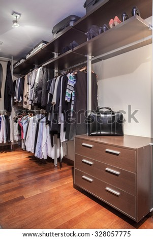 Spacious and functional walk-in wardrobe in the house