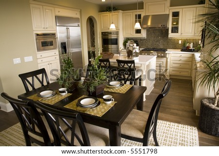 Spacious  Kitchen with Table