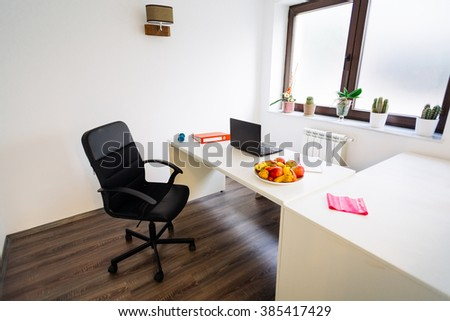 Spacious nutritionist doctor office