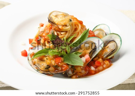spaghetti and mussel - stock photo