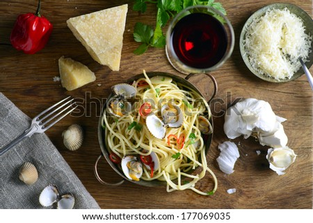 Spaghetti vongole - stock photo