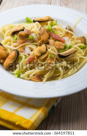 spaghetti with shrimp and mussel