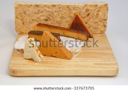 Spanish nougat in a wood base