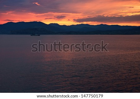 Spectacular sunset over sea