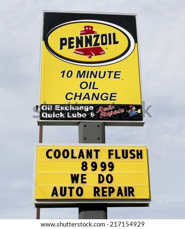 SPENCER , WISCONSIN Sept.14 , 2014:  Pennzoil Quick Lube Sign. Pennzoil is an American oil company founded in 1913