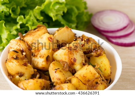 Sri Lankan Fried Potato Curry With Onion