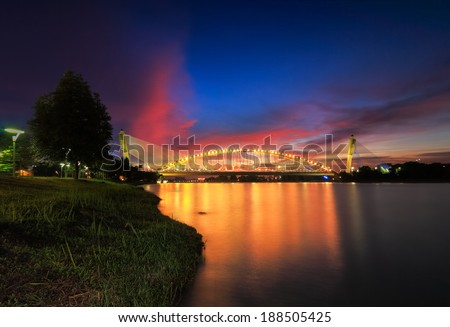 Sri Saujana Bridge  is a symbols or landmarks in Putrajaya for the most beautiful structure and modern.