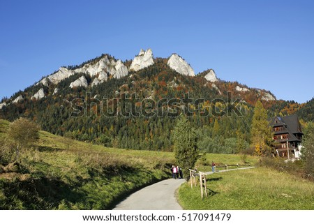 SROMOWCE NIZNE, POLAND, OCTOBER 23, 2016: trail to the Three Crowns peak and mountain shelter in Pieniny Mountains