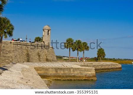 ST.AUGUSTINE, FLORIDA - NOVEMBER 21, 2010: Tourists visiting Fort / Castillo de San Marcos in St. Augustine, Florida on November 21, 2010 - stock photo