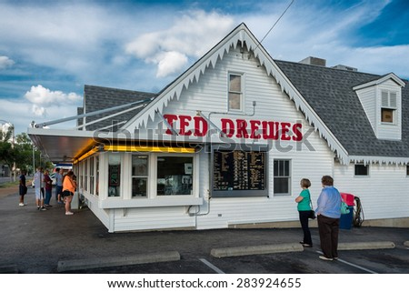 ST. LOUIS, MISSOURI - MAY 28: Ted Drewes Frozen Custard on Chippewa Street on May 28, 2015 in St. Louis, Missouri - stock photo
