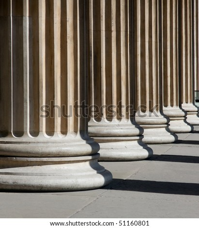 Stable columns in bright sunlight