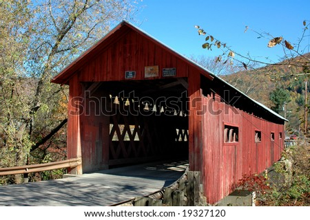Station Northfield Falls Bridge in Vermont on a fall day