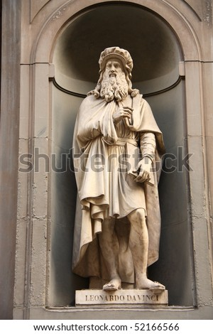 Statue of Leonardo da Vinci in Uffizi Alley in Florence, Italy.