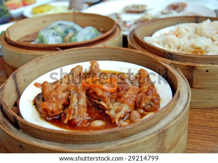 Steamed Chinese Dim Sum in bamboo vessels
