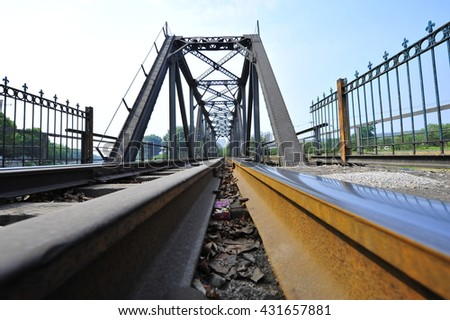 Steel structure of railway bridge