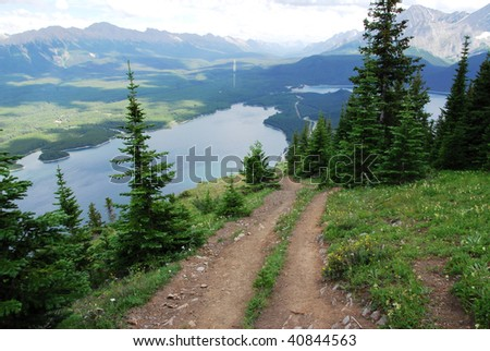 Steep hiking trail on ridge of mountain indefatigable at kananaskis country, alberta, canada
