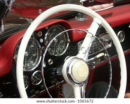 Steering wheel and dashboard of retro car