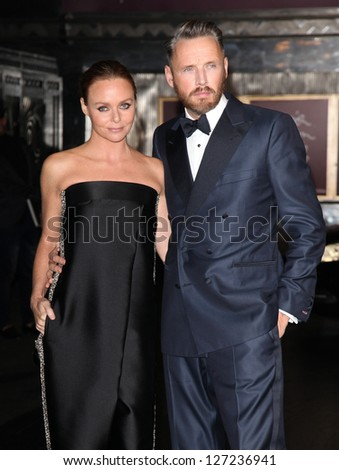 Stella McCartney and Alasdhair Willis arriving for the British Fashion Awards 2012 at the Savoy Hotel, London. 27/11/2012 Picture by: Alexandra Glen - stock photo