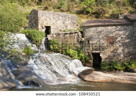 Stepped water mills on the Barosa river at Barro, Pontevedra