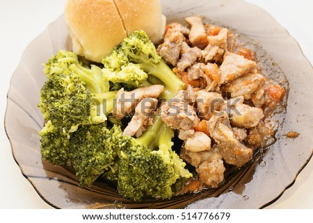 stew and broccoli