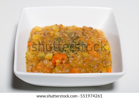 Stew with carrots, potatoes and mince