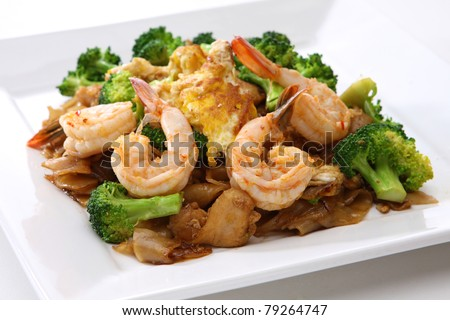 Stir Fried Rice Noodle with Shrimp and Broccoli (Pad See Eiw) - stock photo
