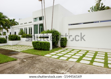 Stock image of a South Florida single family house - stock photo