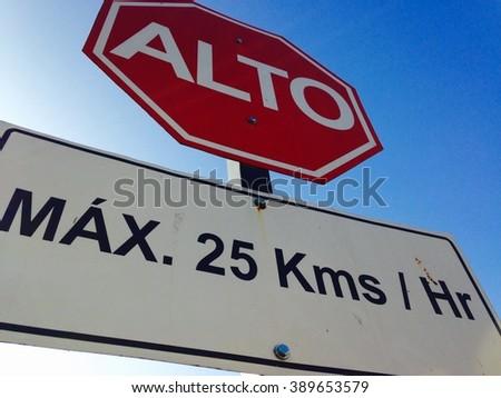 Stop sign in spanish - stock photo