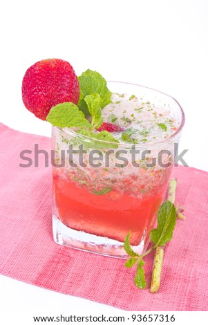 Strawberry cocktail with crushed ice