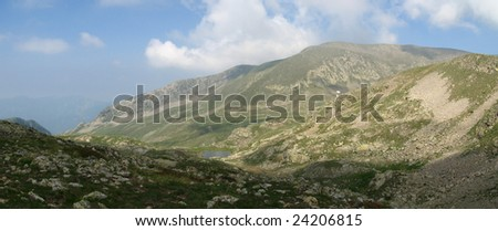 Stroll in photographs with the collar of the Barn and the Lakes Millefonts,  in the maritime Alps, France