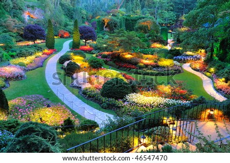 Summer beautiful sunken garden night scene at the historic butchart gardens, victoria, british columbia, canada