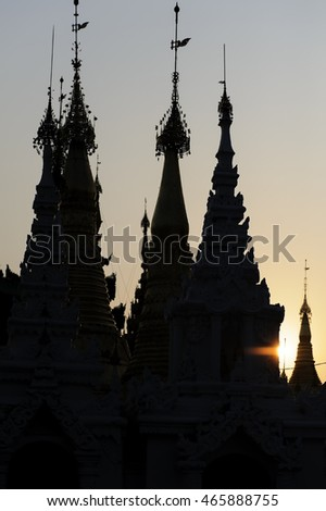 Sundown at the Shwedagon temple in Yangon, Myanmar