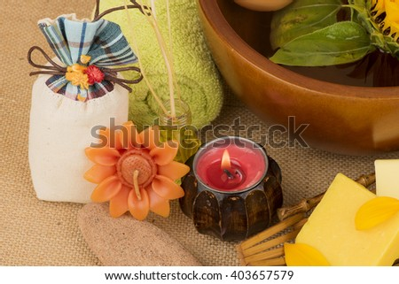 Sunflower Oil and Sunflower soap mixed Honey (Base Oils for body massage, bathing, cosmetics and fragrances): moisturizing. Vitamin E, a natural antioxidant, for dry skin.
