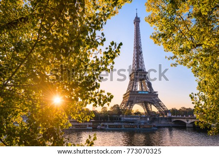 Sunrise at the Eiffel tower during autumn, Paris