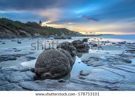 Boulders Stock Images Royalty Free Images Amp Vectors