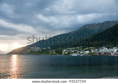 Sunset overlooking the lake, near Queenstown