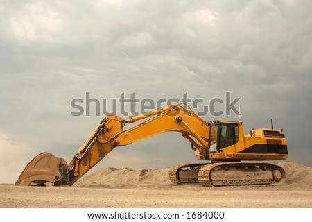 Super heavy duty Excavator - With a operating weight of 154 000 lb / 70 000 kg, it is one of the largest excavators available - stock photo