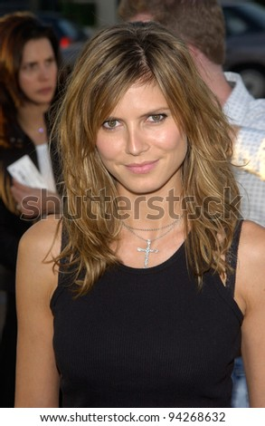 Supermodel HEIDI KLUM at the Los Angeles premiere of Full Frontal. 23JUL2002  Paul Smith / Featureflash