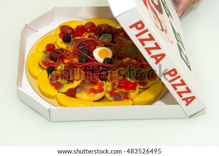 sweet pizza made of chewy candy