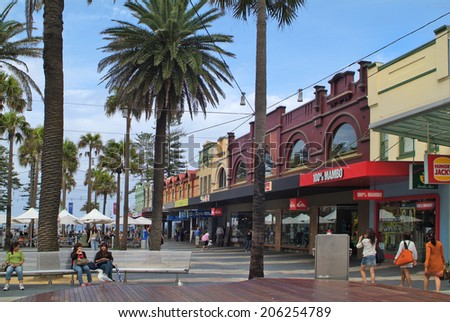 SYDNEY, AUSTRALIA - FEBRUARY 08: Unidentified people in shopping area named - The Corso - in Manly, on February 08, 2008 in Sydney, Australia - stock photo