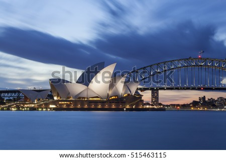 SYDNEY; AUSTRALIA - Oktober 10, 2016 : View at Sydney Opera House and Harbour bridge at night in Sydney, Australia, Over 10 millions tourists visit Sydney every year.