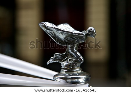 SYDNEY - FEBRUARY 19: Rolls Royce with famous winged emblem mascot on February 19, 2011 in Sydney, Australia
