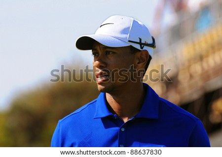 SYDNEY - NOV 11: Tiger Woods frustrated at his loss of form in the third round in the Australian Open at The Lakes golf course. Sydney, November 11, 2011 - stock photo