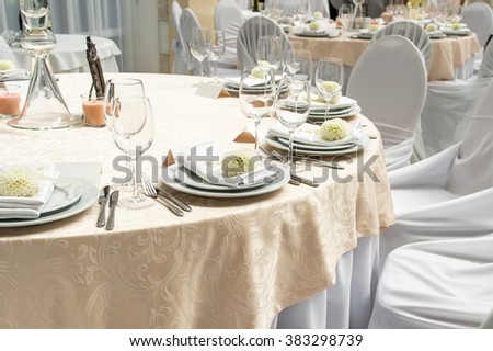 table decorations and serving in the restaurant