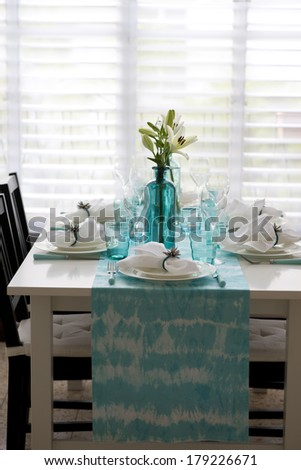 Table setting in blue color