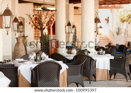 table setting in the casual empty restaurant